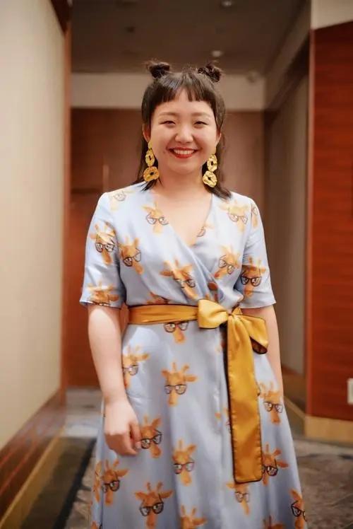 辣目洋子,她那么普通,却那么自信!