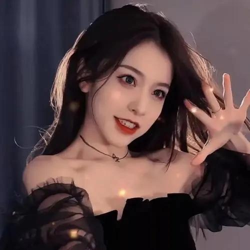 刘思瑶为博眼球拉闺蜜跳圣诞舞, 网红圈神话为什么不红了?